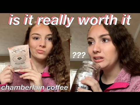 TRYING CHAMBERLAIN COFFEE | IS IT WORTH IT (emma chamberlains new coffee brand review)