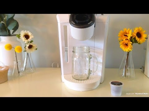 HOW TO MAKE A STARBUCKS ICED COFFEE | KEURIG COFFEE MAKER